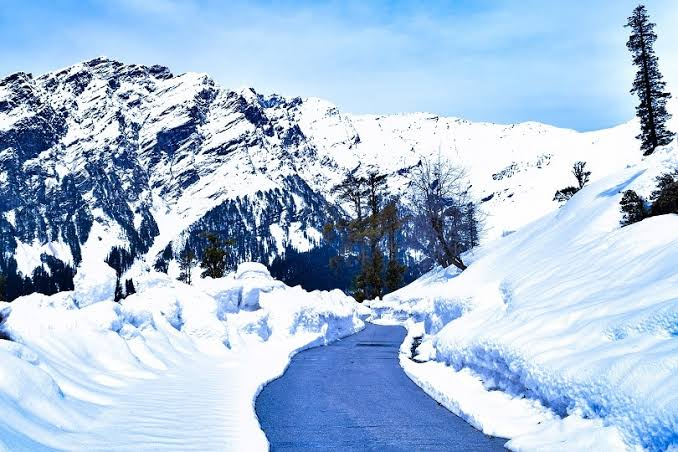 Rohtang Pass (Snow Point)
